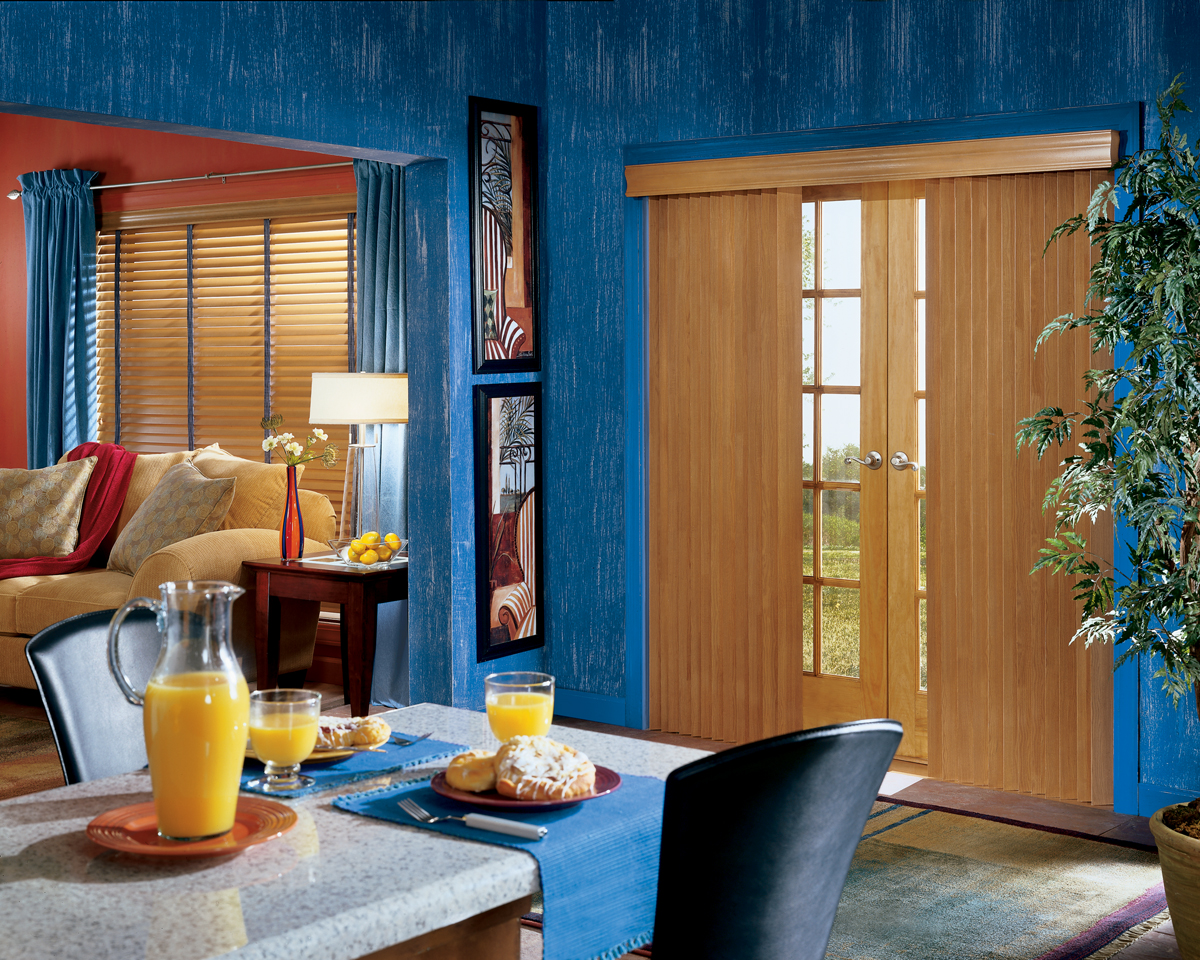 vertical lowes door in treatments display pl wood plantation com shades reviews for walnut decor faux dark product cordless shop home window blinds at